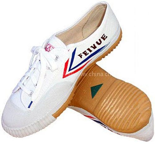 飞跃鞋:国货回潮