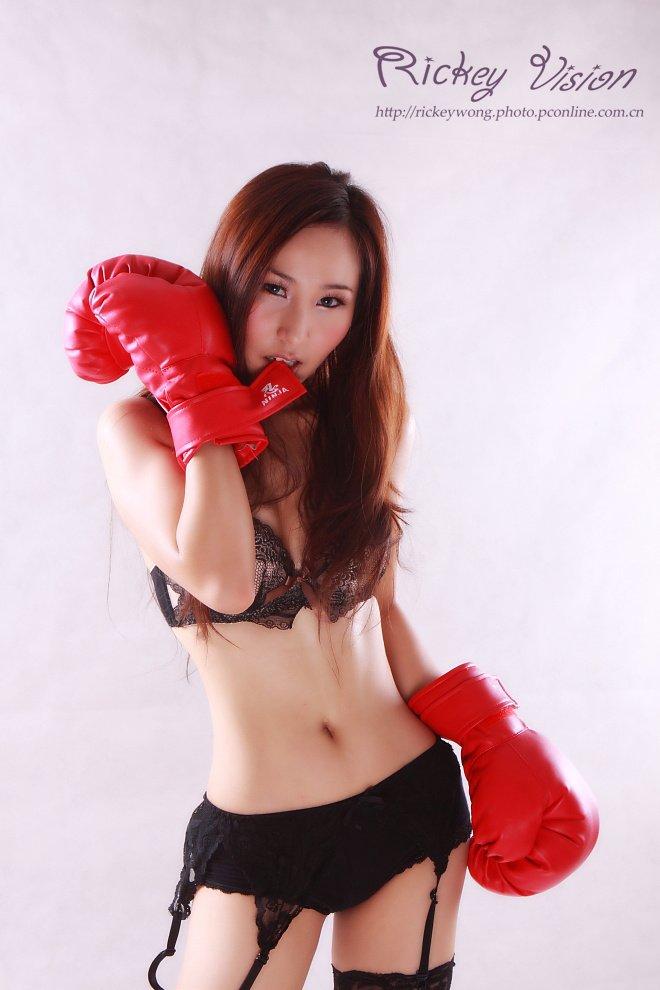 超性感的美女拳手