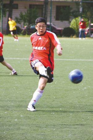 重庆有线三人足球赛 名嘴陪你玩_业界