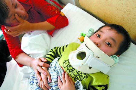 一家三代4人离奇死于肺癌 剩两大人拉扯4小孩