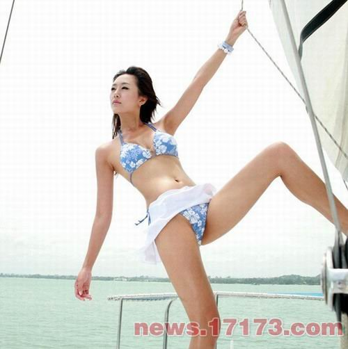 韩国性感美女歌手韩英