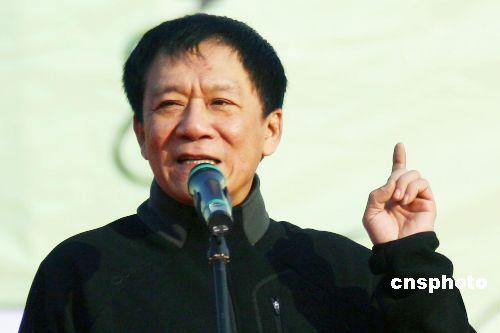侯耀文两女拒绝替父还贷 中国银行追讨70万