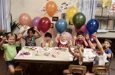 各国的幼儿园教育都注重培养孩子创造力