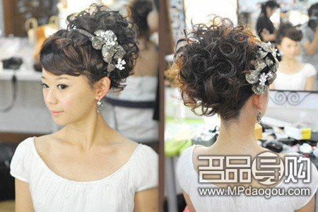 腾讯首页 大渝网 > 跟妆 > 正文    理由:短发的新娘接上了长波浪,摇图片