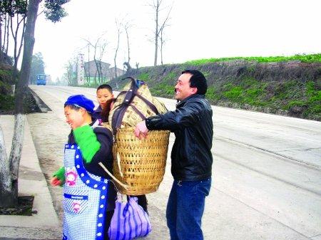 家乡工价赶上北京 重庆农民工大批回流(图)