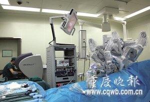 机器人昨天做了首台手术 患者家属称:神了!
