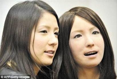 """日本美女机器人几可""""以假乱真""""(组图)"""