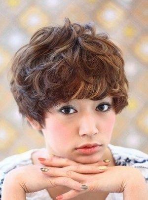 俏丽小短发 引爆东京发型新潮图片