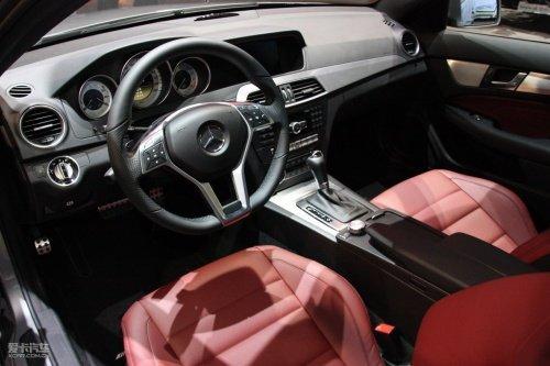 c级轿跑车动力系统选择也都与轿车和旅行车版本相同,但amg高清图片