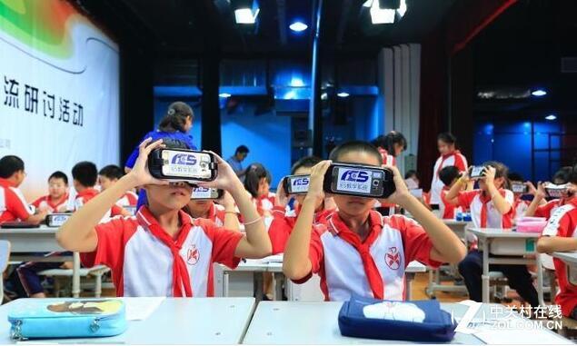 比不过VR设备 3D投影机为何处境尴尬?
