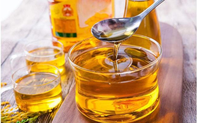等级越高食用油越有营养吗 如何挑选食用油