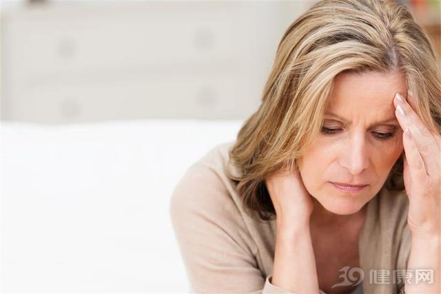你的颈椎病可能是拖出来的,5大早期症状别忽视!