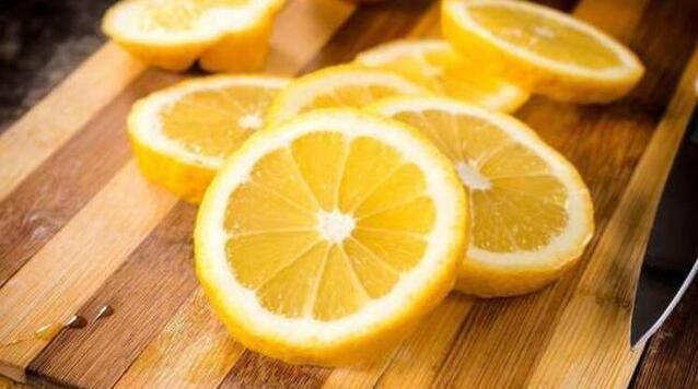 一颗柠檬居然有21种妙用 只泡水太可惜了