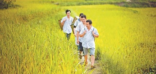 九龙坡:偏远农村 来了一群背篼医生