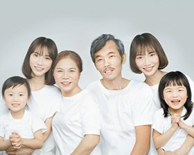 """重庆两姐妹和去世父亲""""合影"""""""