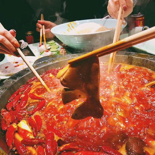 不卖鸳鸯锅的红九格老火锅 新店开业3.9折持续2个月