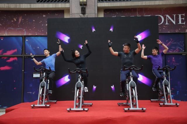 """倾城运动·家,国内首家""""家庭""""概念智能健身馆正式开业"""