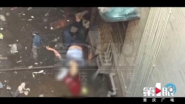 渝中区一男子坠亡 邻居称有蹊跷