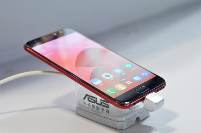 重庆·国际手机展开幕 开启手机产业新世界