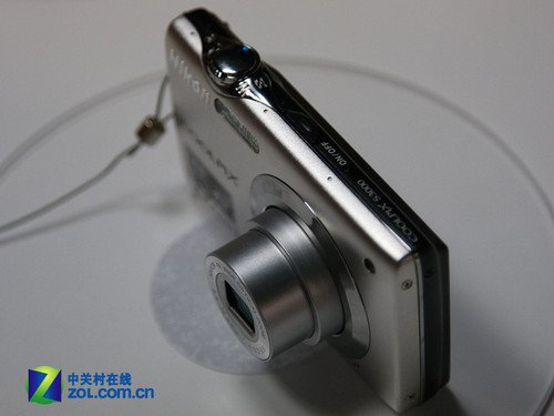 27mm广角时尚机 尼康S3000仅售1070元