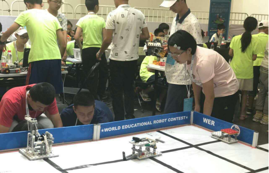 厉害了!万州二中夺世界机器人大赛二等奖