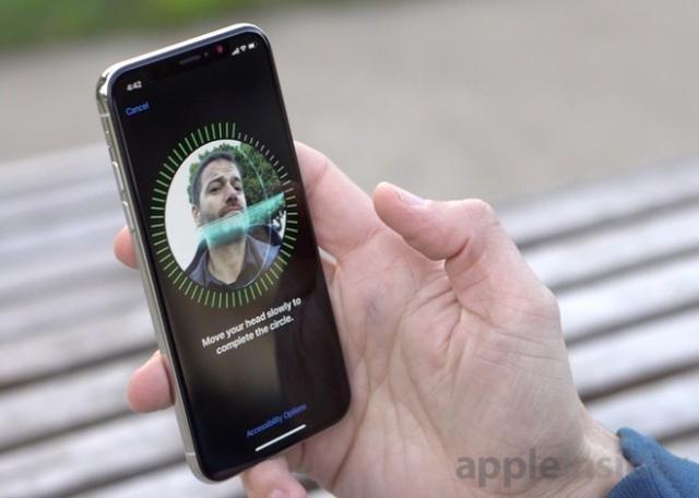 苹果辟谣:iPhone X并非放弃屏下指纹识别