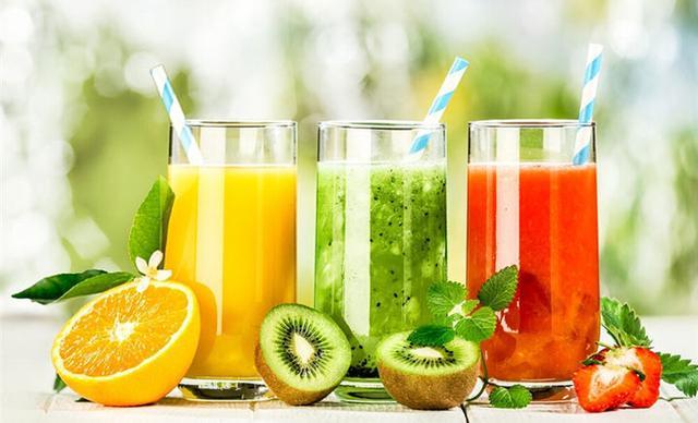 鲜榨果汁别去沫 更健康