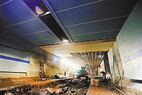 解放碑地下环道初具通车条件 分流一半