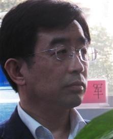 北京国际城市发展研究院院长、大渡口十二五战略规划顾问 连玉明