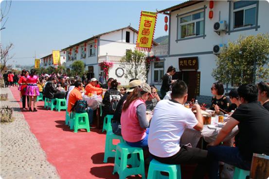 黔江举办第二届阿蓬江油牡丹节 带动百名农户增收