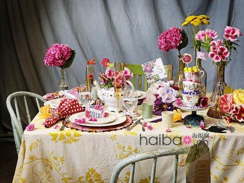 几种婚礼派对餐桌布置方案