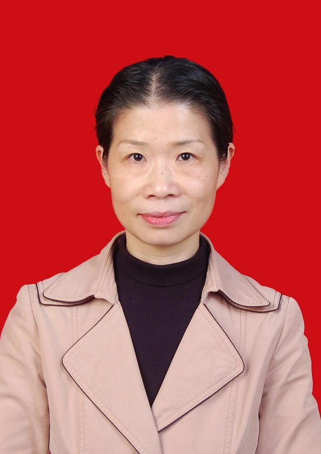 腾讯大渝网第八届医者仁心评选最美护士评委:刘芳容