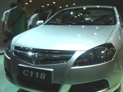 三款新车亮相 长安汽车绘制自主新蓝图