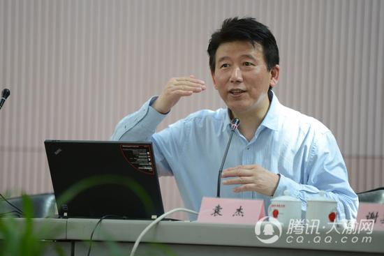 重庆市知识产权局与重庆轻纺集团签署战略合作协议