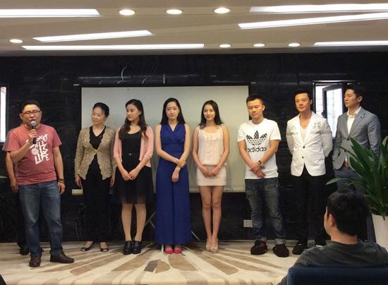 重庆首档都市轻喜剧《双重喜庆》将开播