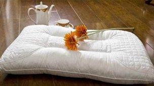 一定要看的选枕窍门 选枕头看三度