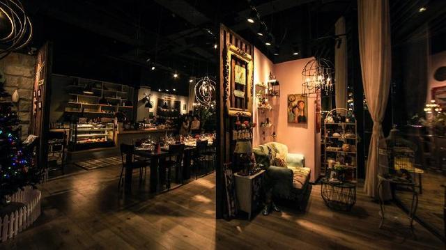 南滨路全江景轻奢流水别墅 可能是重庆颜值最高的餐厅