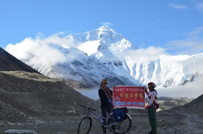 重庆网红老太24年骑行30万公里 却因眼病暂时中止