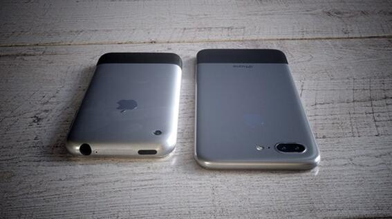 致敬初代iPhone 10周年iPhone X长得太丑