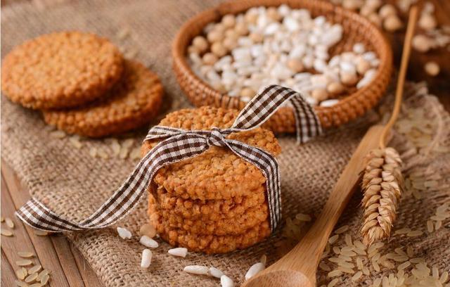 粗粮饼干真的健康?减肥当饭吃却越吃越胖