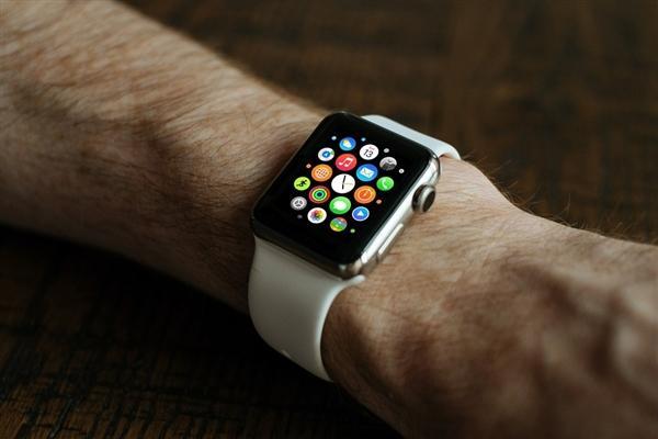 苹果重磅新品Watch 4要来了:老款全面缺货