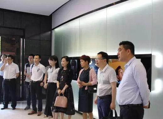 """严谨教学""""亦师亦友"""":专访重庆理工大学MBA名师刘军跃"""