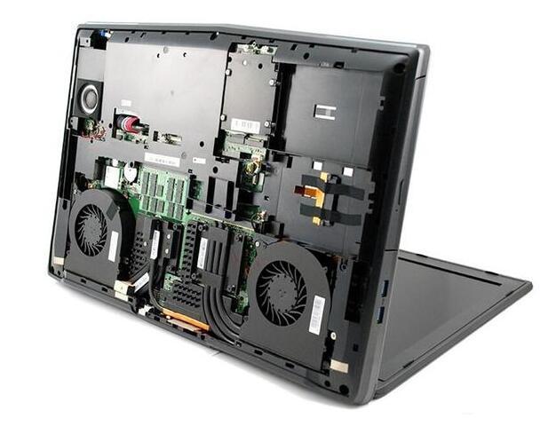 你没看错 这款笔记本其实是台服务器