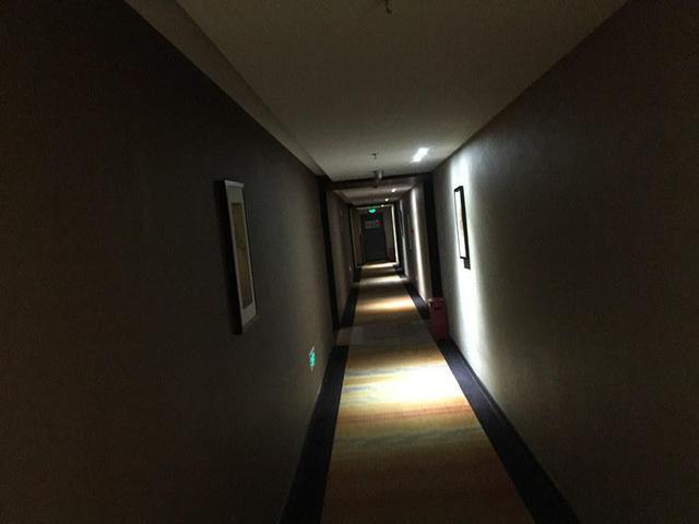 女房客在酒店遇袭 携程到底要不要担责?