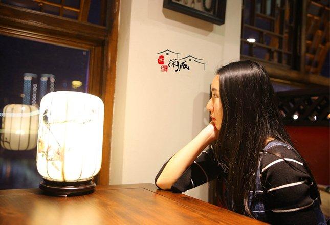 美女主编带你探访70年后重回解放碑的重庆第一家咖啡厅