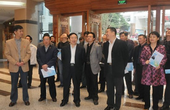 达州市考察组到重庆三峡中心医院考察参观