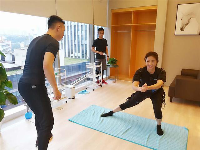 懒人福音:EMS科技健身首次落户重庆 让你懒得有型