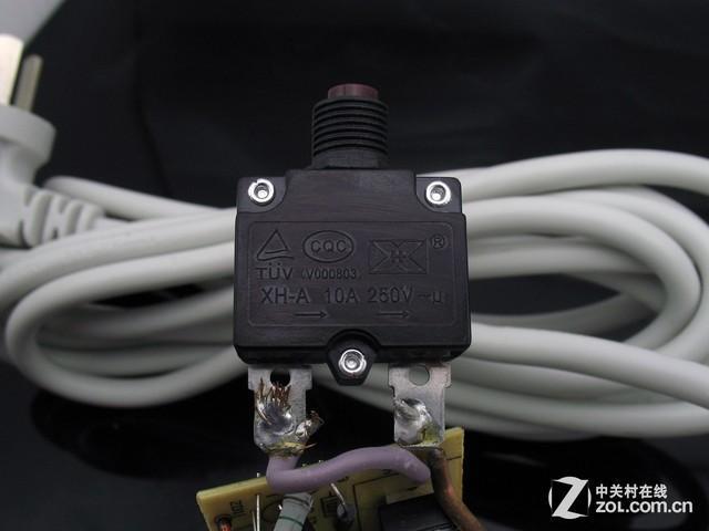 电死人不偿命 夏季用电劣质排插产品危害大