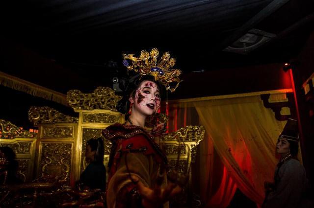 新加坡环球影城万圣节惊魂夜7惊悚启幕