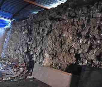 废品站发现23米长明代城墙遗址